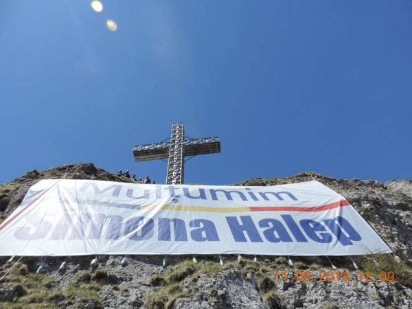Banner pentru Simona Halep, amplasat la peste 2.000 de metri, in Prahova