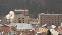 Cladirea fabricii de bere din Azuga a cedat! Pirotehnistii au bombardat-o doua zile