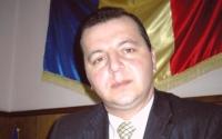 Oamenii Robertei trudesc pentru PMP: Primarul din Comarnic strange semnaturi pentru Basescu