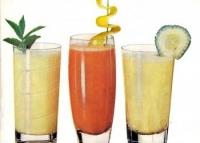 Bei sucuri si shake-uri dietetice? Afla care sunt efectele secundare