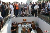 VIDEO HALUCINANT!!! Uite ce au facut niste romi la o inmormantare si cum ARATA GROAPA!!!