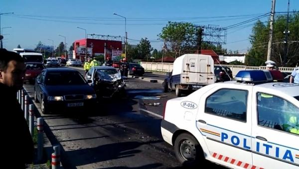 Accident grav pe DN1. Două persoane sunt rănite VIDEO