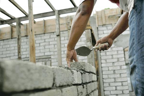 Constructiile de pe trei strazi din Ploiesti, verificate de Fisc