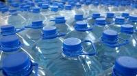 Sute de mii de sticle cu apă au fost RETRASE din magazine. Nu o să-ţi vină să crezi ce scria pe etichete