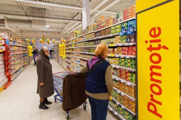 Experiment: Cât costă ACELAŞI COŞ DE PRODUSE la Carrefour, Kaufland, Cora, Auchan, Billa şi Mega Image, după scumpirile de la 1 aprilie