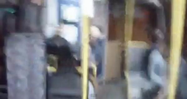 Gorile agresive, intr-un autobuz din Ploiesti! Domnule Cristi Toader, cum procedam in cazul de fata?