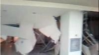 Incredibil! O bucata de tavan a cazut peste clientii magazinului Cora