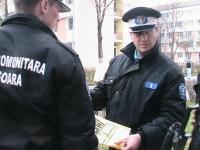 Consiler PNL, prins de Politie in timp ce lipea afise electorale in locuri INTERZISE