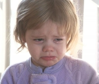 Ploiesti: Fetita de 3 ani, blocata in apartament. A fost nevoie de interventia pompierilor