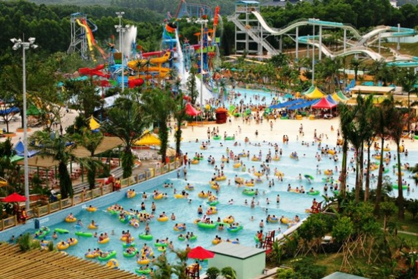 Toti copiii din Prahova au intrare gratuita la cel mai mare parc de distractii din Romania