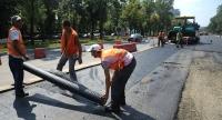 Incredibil! Muncitorii asfaltau, ei veneau din urma si furau! Trei ploiesteni, retinuti de politisti