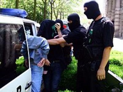 Apelul poliţiei pentru eliminarea găştilor de cartier