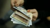 Contribuţiile sociale plătite de angajatori vor scădea cu 5 procente, de la 1 octombrie