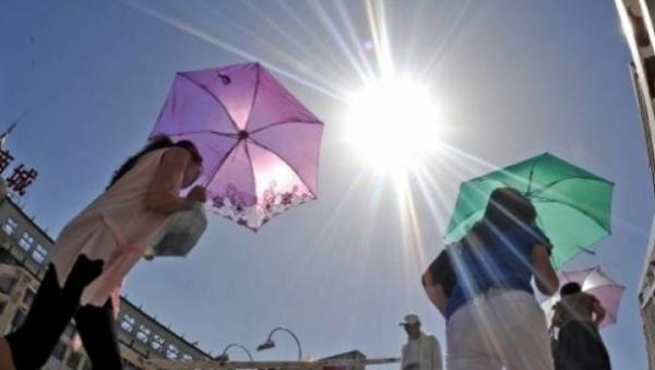 PROGNOZA METEO PE TREI ZILE. Meteorologii anunţă ZILE CANICULARE