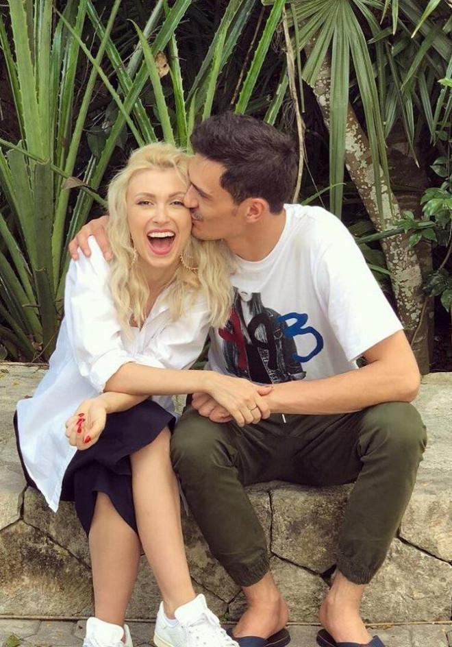 """Andreea Bălan va deveni din nou mămică de vis petrecută cu soțul ei, George Burcea: """"De câteva luni bune ..."""