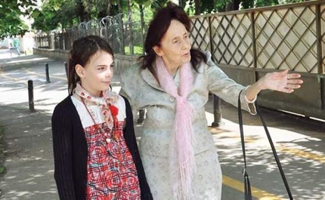 Din pacate, e adevarat. Cine va avea grija de fiica Adrianei Iliescu