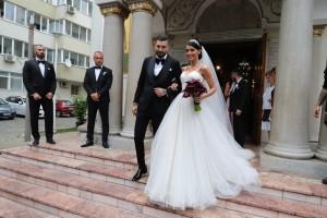 Adelina Pestrițu și-a scos nunta la vânzare, dar nu i-a cumpărat-o nici o televiziune pentru că nu mai face audiență!