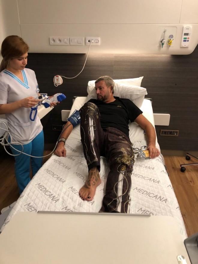 Cătălin Botezatu a fost diagnosticat cu o boală rară. I se va taia jumatate din colon