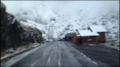 IMAGINI cu prima ninsoare din acest sezon. Ce parte a tarii e afectata