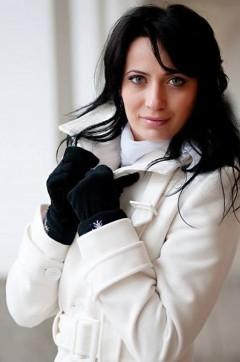 Este femeia zilei din Romania. A fost cautata pe Facebook de mii de barbati ca sa-i vada pozele! Cu ce se ocupa