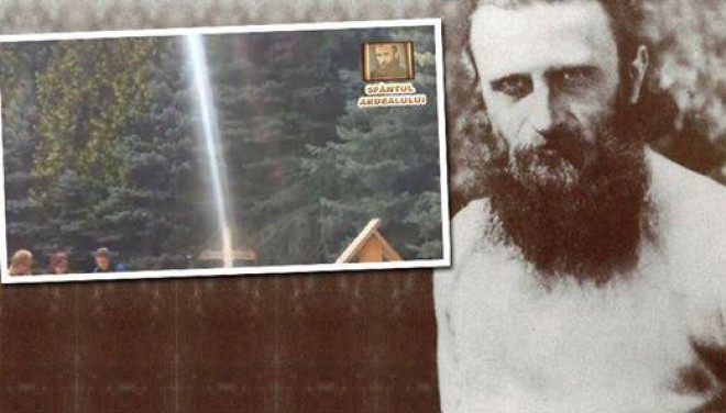Imagini extraordinare! Aparitie misterioasa la mormantul lui Arsenie Boca! Mii de credinciosi jura ca au vazut silueta parintelui in imaginele astea