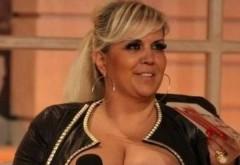 Îți mai amintești DECOLTEUL IMENS al Ralucăi Bădulescu? Ce se ÎNTÂMPLĂ cu SÂNII ei după ce a SLĂBIT 64 de kilograme. Foto aici