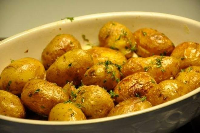 Cei mai buni cartofi se fac asa! Gata in 30 de minute!