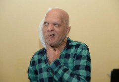 Imagini de groaza! Barbatul din imagini este MARIAN DARTA! Cancerul l-a terminat! Se mai afla in viata doar datorita lui GIGI BECALI! Ce a facut cel mai darnic om din Romania pentru el, fara ca nimeni sa stie
