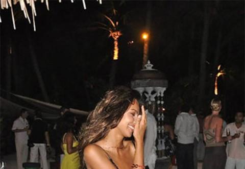 Madalina Ghenea, în pragul depresiei!  Vedeta apelează la băutură ca să-l uite pe PHILIPP PLEIN! Cum a fost fotografiată