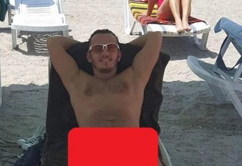 Primele poze cu Traistariu in slipi de vara asta! Prietenii de pe Facebook au avut o surpriza! Toata lumea s-a uitat la barbatia lui!