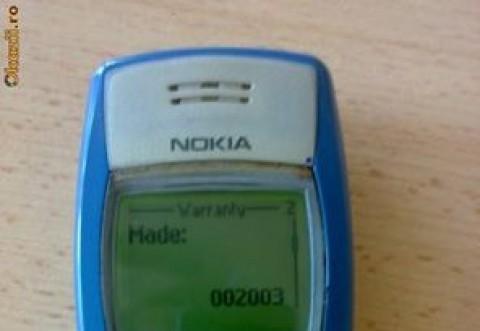 Un roman si-a scos la vanzare, pe net, telefonul Nokia 1100. Suma imensa pe care o cere pe el si de ce