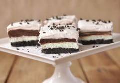 O prăjitură delicioasă numai buna pentru Sarbatori, gata în 20 de minute, fără coacere! Reţeta pas cu pas