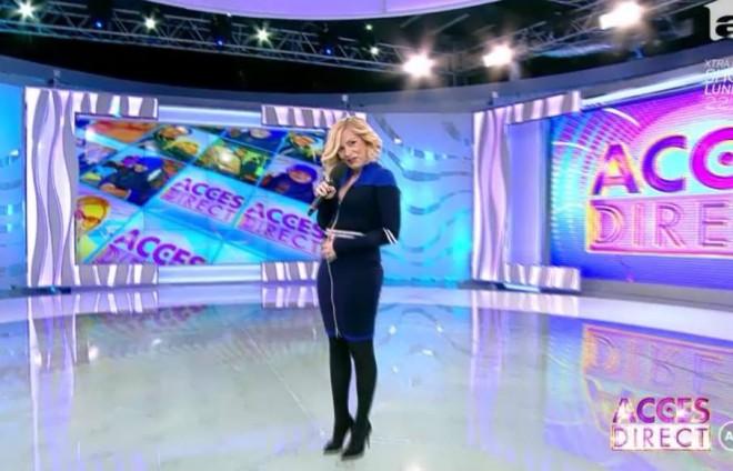 """Simona Gherghe a revenit la """"Acces direct"""", însărcinată: """"Suntem doi aici, se vede?"""" Care este sexul copilului: fetiţă sau băiat?"""