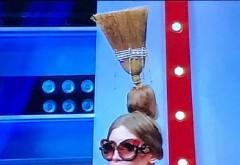 """""""Ferească Dumnezeu cu... """"  IULIA ALBU, criticată dur de o blondă cunoscută, după ce a apărut cu mătura în cap"""