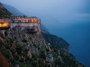 A lăsat mingea şi a luat crucea! Un fotbalist s-a făcut călugăr la Muntele Athos