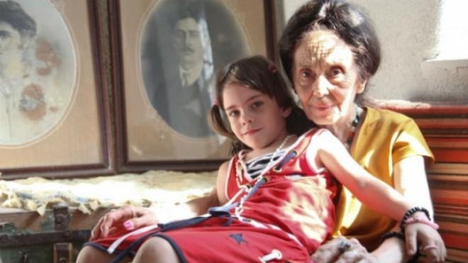 Eliza a socat internetul! Cum s-a fotografiat fiica Adrianei Iliescu, cea mai batrana mama din Romania