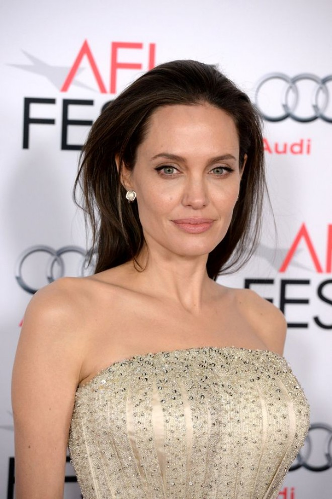 Șoc la Hollywood. Angelina Jolie se pregătește de nuntă. Cine este bărbatul care a convins-o să meargă iar la altar