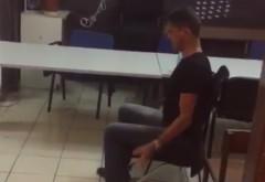 Cristian Boureanu, filmat in sectia de politie dupa scandalul din trafic. Ipostaza bizara in care a fost surprins. VIDEO