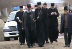 SCANDAL SEXUAL în Biserica Ortodoxă: Un cunoscut EPISCOP a fost filmat când întreținea RELAȚII SEXUALE cu un preot ÎNSURAT