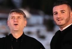 Video/ Pomohaci, aplaudat la primul spectacol după ce a fost exclus din Biserică, la Jina, în judeţul Sibiu. Reacţia fostului preot