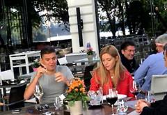 A fost lăsat liber sub control judiciar. Boureanu, prânz cu iubita la un vin alb şi un trabuc!