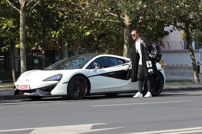 """Fotbalistul investeşte o avere în apariţiile lui. """"Perla"""" lui Gigi Becali e top: are Mc Laren de 170.000 € şi…"""
