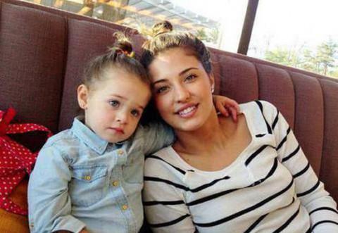 Imaginile şocante au intrat în posesia noastră! Fiica Antoniei, gest scandalos la doar 7 ani! S-a filmat în timp ce…