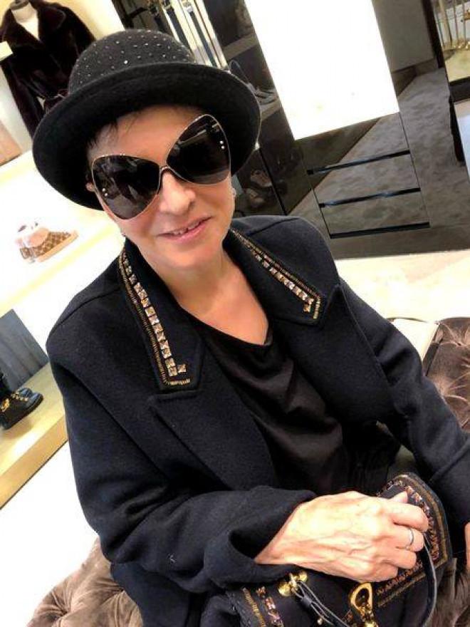 ULTIMA IMAGINE cu Ionela Prodan in viata! Cum a fotografiat-o Anamaria Prodan pe patul de spital?  A luat-o de mana si...Of, cata durere