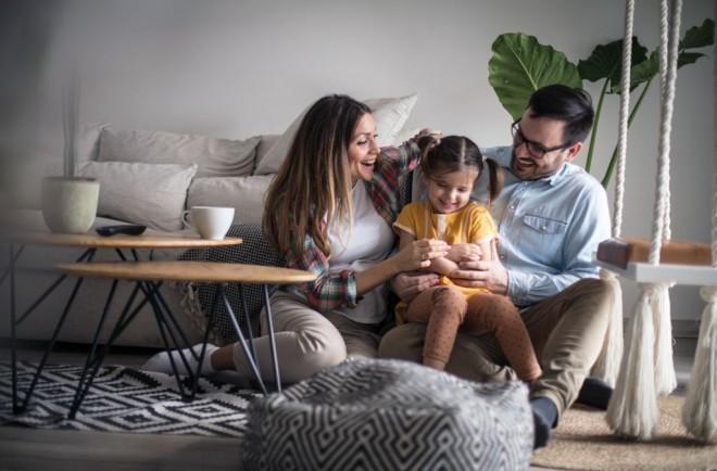 Cum îți asiguri un preț fix la electricitate timp de 12 luni pentru casa ta