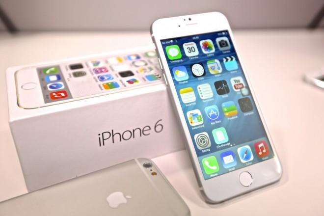 iPhone 6 şi iPhone 6 Plus, disponibile în România de joi noapte. La ce PREŢURI le găseşti