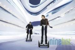 NineBot, robotul futurist mai ieftin decat un scuter se gaseste acum si pe Cloe.ro
