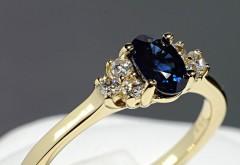 Inel din Aur sau Platina cu Safir si Diamante