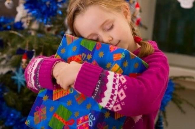 Nu stii ce cadou sa-i faci copilului, de Craciun? Cloe.ro a facut o selectie pentru tine si a redus preturile in luna decembrie!