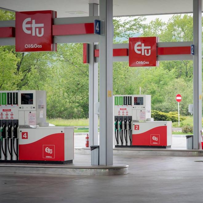 Plata cu telefonul mobil, fără bani în buzunar, la Etu Oil&Gas Paulesti!